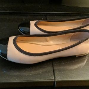 Aldo womens beige black leather Flats sz 7.5M